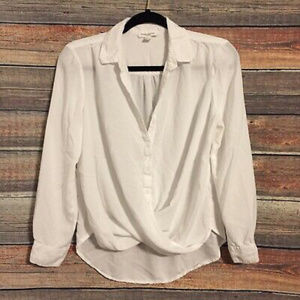 Beachlunchlounge wrap style button down top